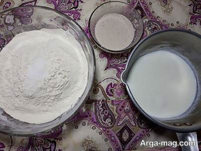 مخلوط مواد برای تهیه خمیر