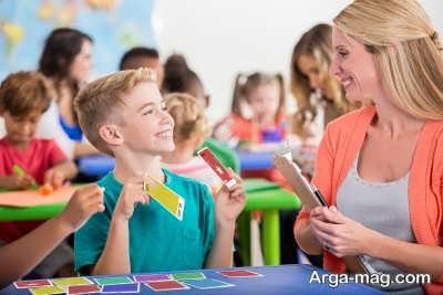 درس دادن زبان به کودکان