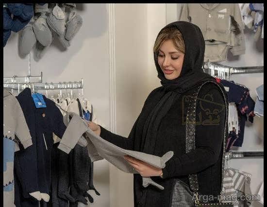 پوشش شیک نیوشا ضیغمی در فروشگاه «نی نی لند»