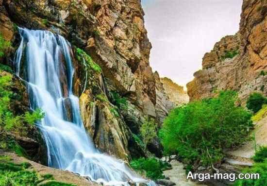 آبشار سفید آب