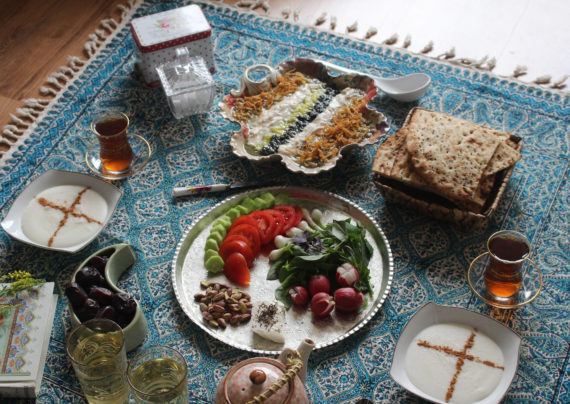 تزیین سفره افطاری مجلسی