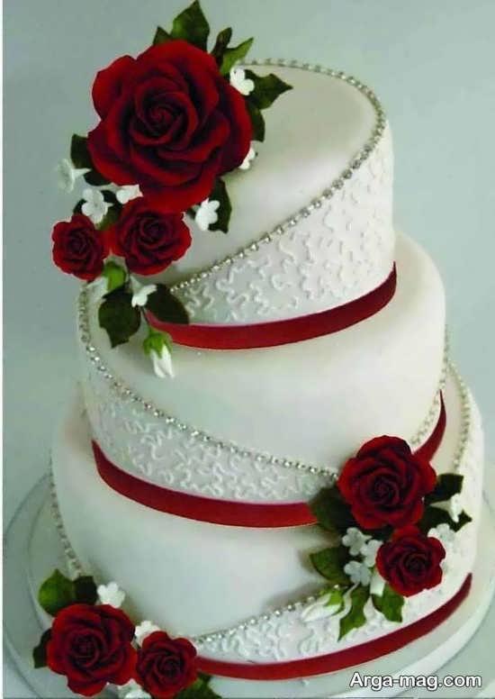 مدلی شیک از تزیینات کیک چند طبقه