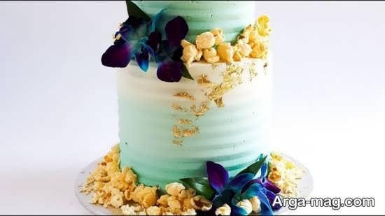 کیک چند طبقه با تزیینات جذاب