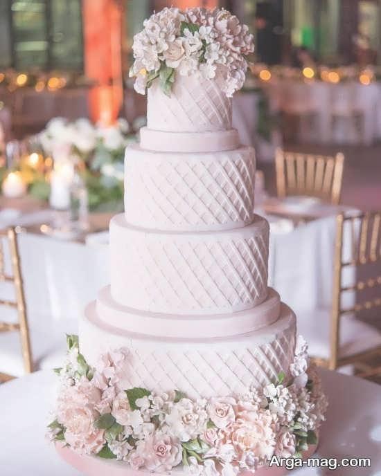 مدلی جذاب از تزیینات کیک چند طبقه