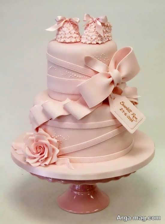 مدلی از تزیینات کیک چند طبقه