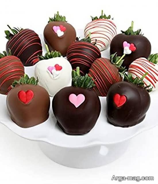 تزیینات شکلاتی توت فرنگی