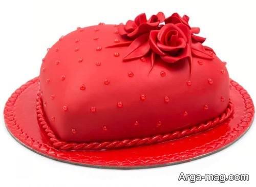 کیک قرمز قلبی