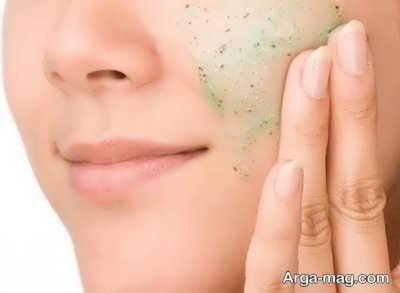 درخشان شدن پوست با اسکراب طبیعی