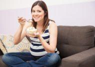 فواید و مضرات بستنی در بارداری