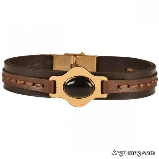 مدلی از دستبند چرم زنانه