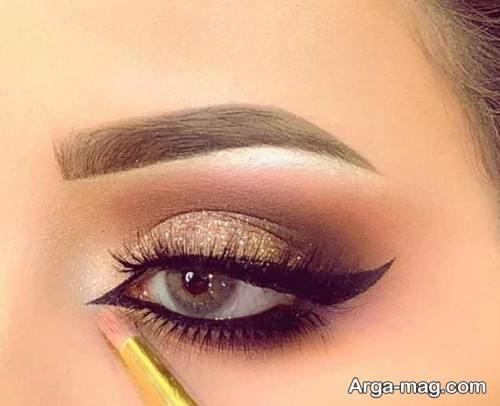 سایه چشم زیبا و زنانه