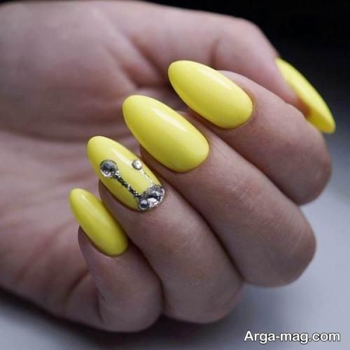 مدل طراحی ناخن با لاک زرد