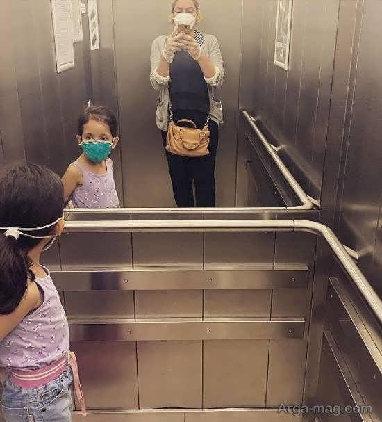 مهناز افشار و دخترش با ماسک و دستکش در آسانسور
