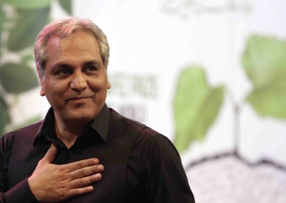 مهران مدیری بازیگر، خواننده و کارگردان مطرح کشور