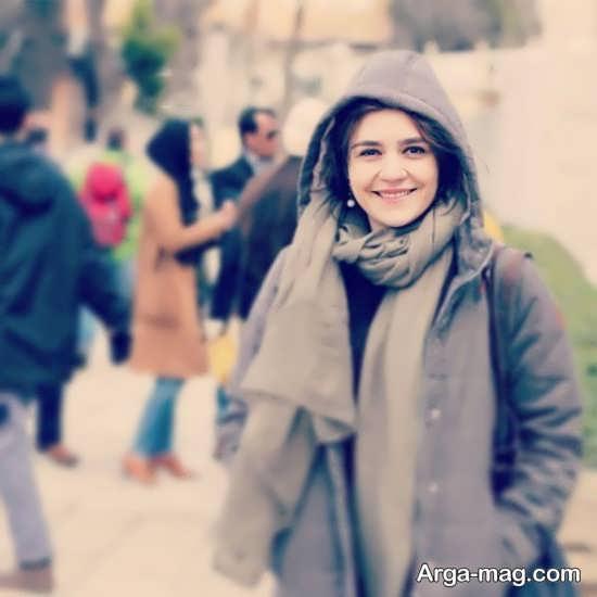 زندگینامه خواندنی و کامل مونا احمدی