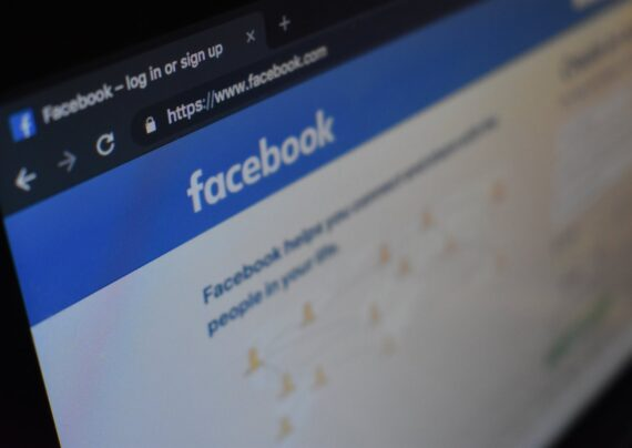 تغییر نام در فیسبوک