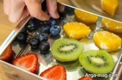 چیدن میوه درون قالب