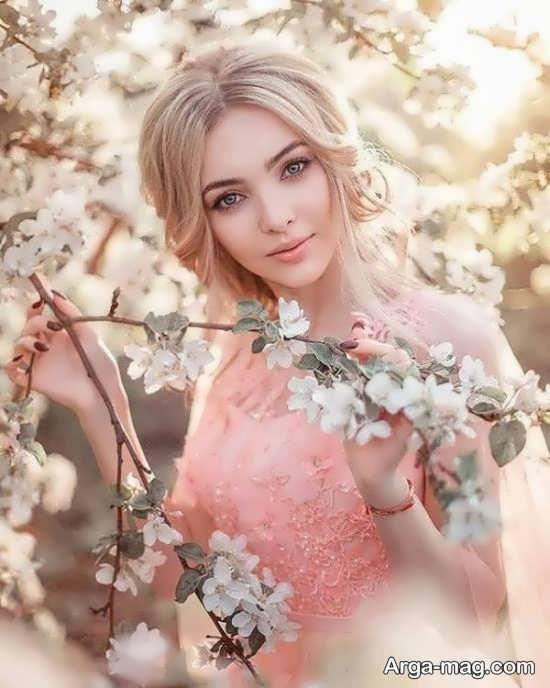 فیگور زیبا دخترانه با استفاده از گل و شکوفه