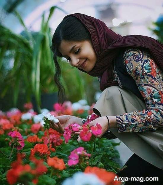ژست هنری عکاسی با گل