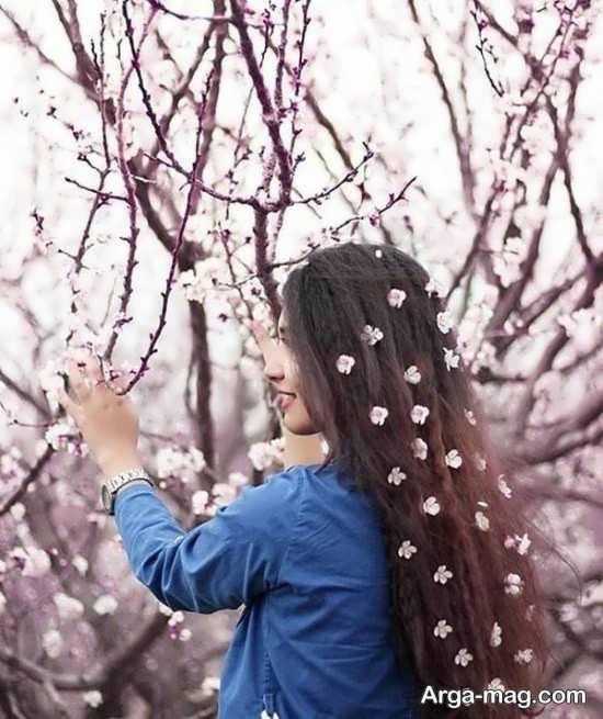 ژست بی نظیر و دوست داشتنی با گل