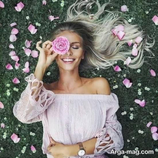 ژست عکس خلاقانه و زیبا با گل