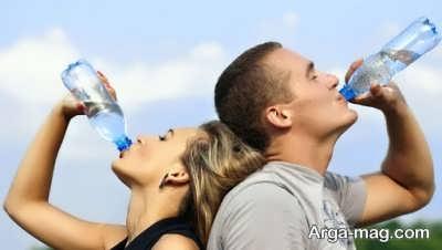 تاثیر نوشیدن آب در جلوگیری از چروک لب