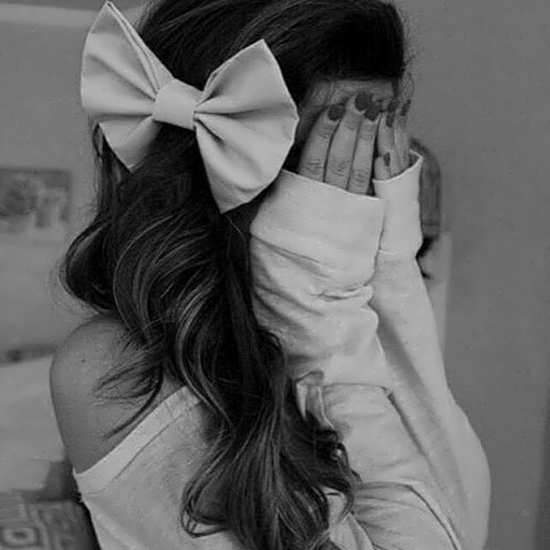 عکس پروفایل زن تنها غمگین و زیبا