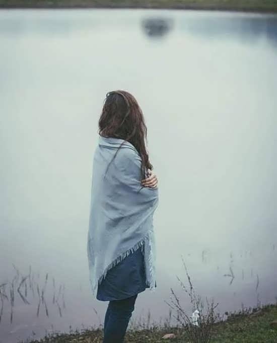 عکس پروفایل جذاب و دیدنی زن تنها