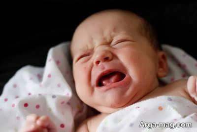گریه به دلیل آروغ زدن