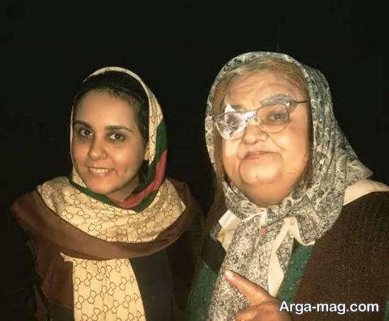 اکبر عبدی با استایل زنانه در کنار دخترش/عکس