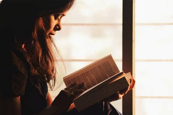 عکس پروفایل دخترانه کتاب برای صفحه شخصی