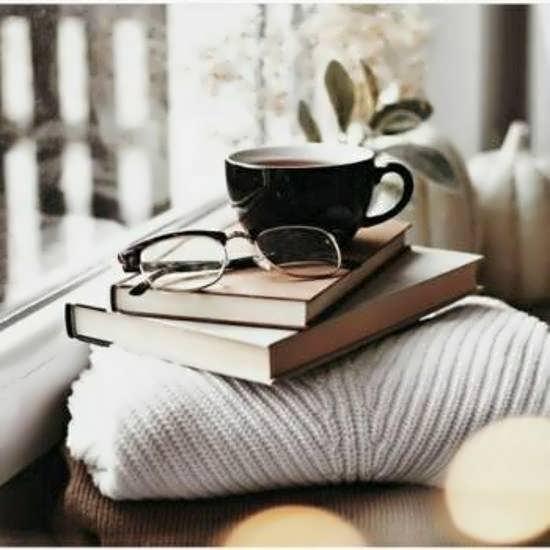 ایده هایی متفاوت از عکس پروفایل کتاب و ارزش خواندن آن