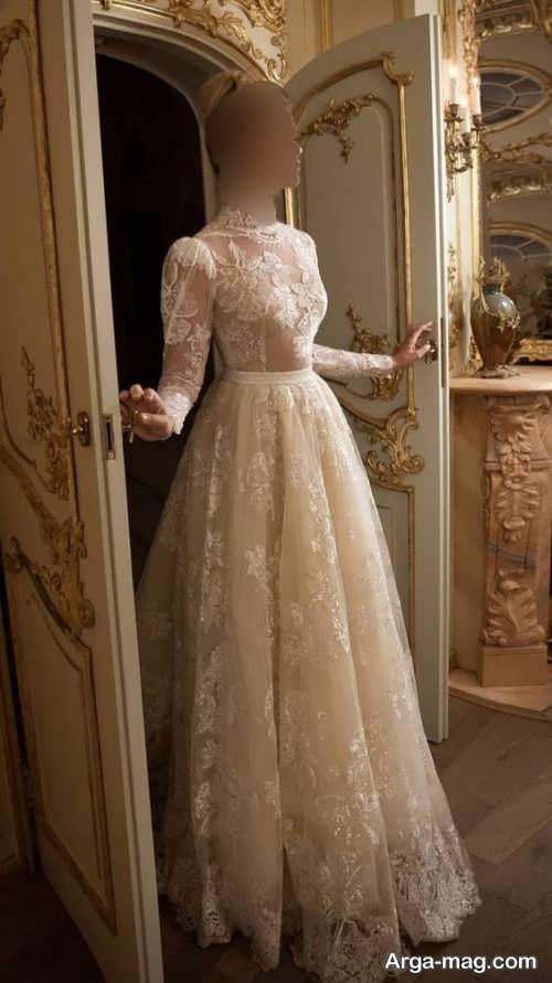 لباس عروس یقه بسته و جذاب