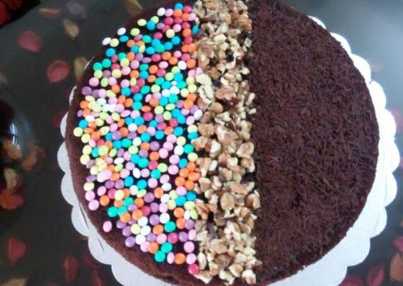تزیین کیک با اسمارتیز