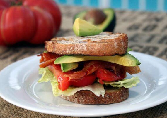آشنایی با طرز تهیه ساندویچ آووکادو