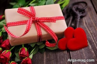 جمله های عاشقانه روی هدیه