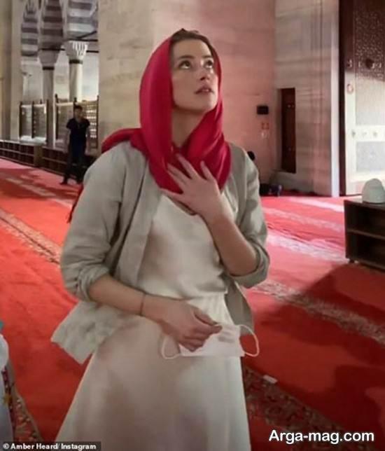 حجاب جنجالی بازیگر معروف در مسجد