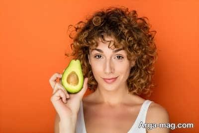 استفاده از مواد مغذی برای موهای فر