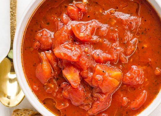 آشنای با طرز تهیه خورش گوجه فرنگی