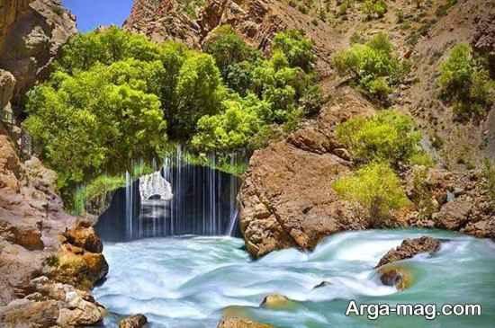 آبشار آب ملخ