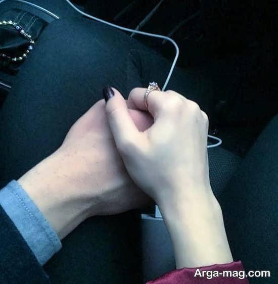 عکس عاشقانه دست تو دست در ماشین