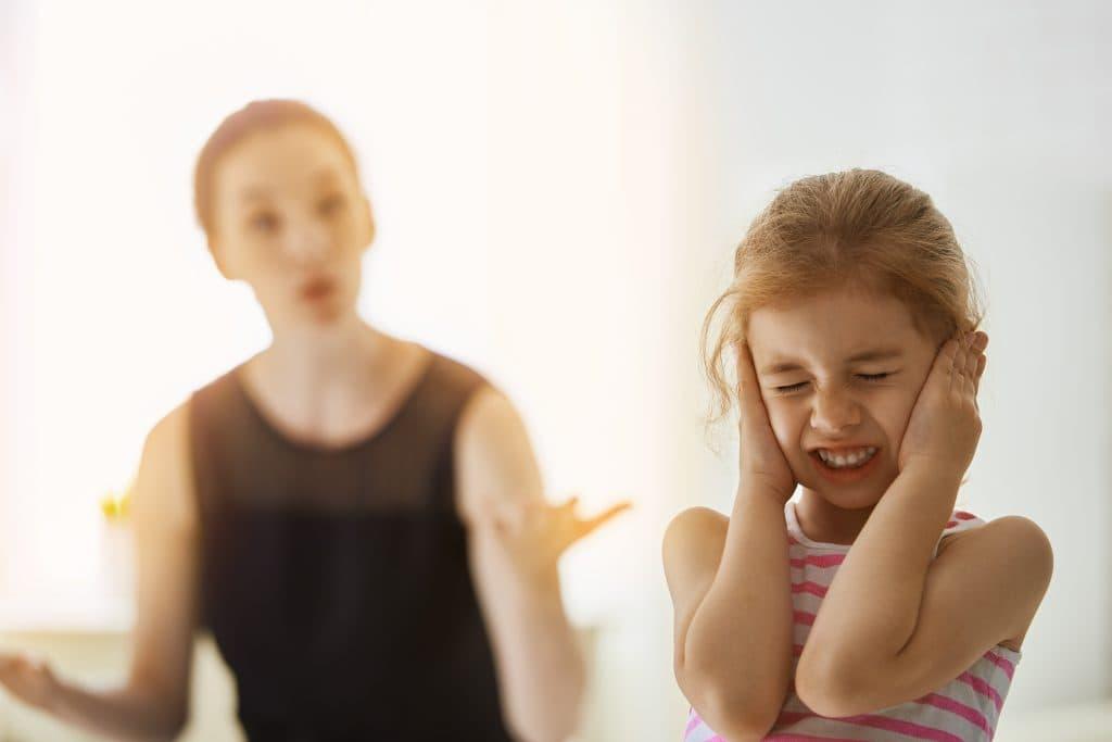 علت فریاد زدن بر سر کودکان