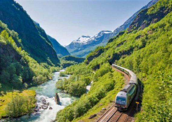 سفر با قطار و ویزگی های آن