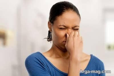 استفاده از روش های خانگی برای درمان بوی بد موی سر