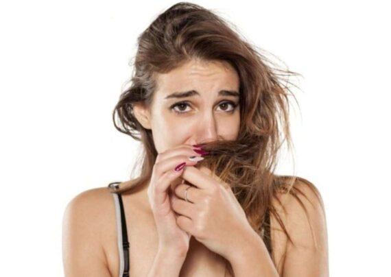 آشنایی با نحوه درمان بوی بد موی سر در خانه