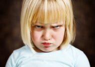 آشنایی با علل لوس شدن کودک