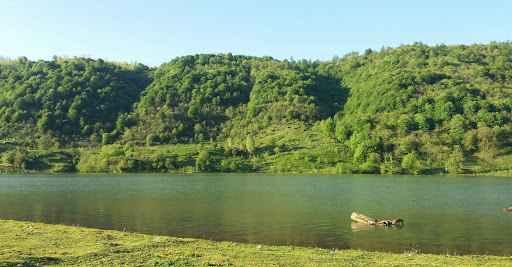 آشنایی با دریاچه فلور