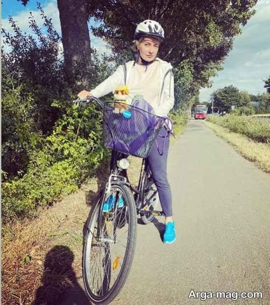 دوچرخه سواری مهناز افشار در دوسلدورف آلمان
