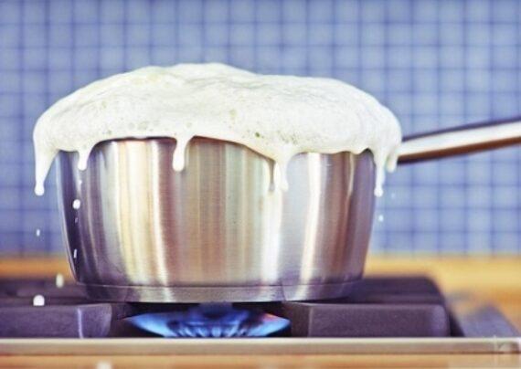 روش های رفع بوی سوختگی شیر