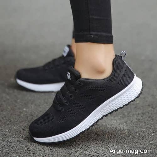 کفش سفید و مشکی